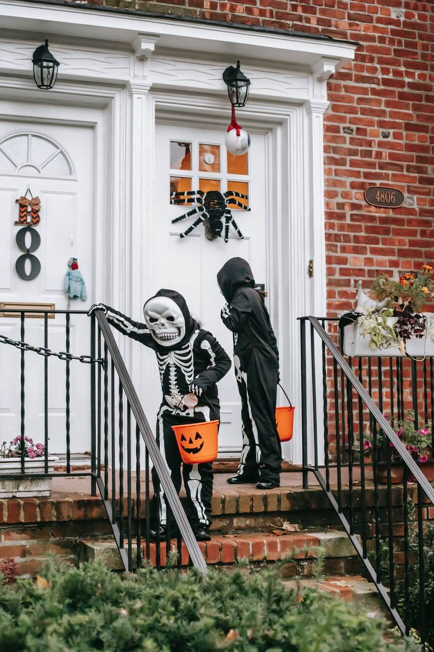 6_halloween-kostuem-skelett