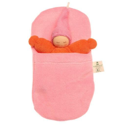 Nanchen Stoffpuppe Wichtel im Schlafsack 21cm